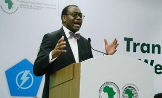 Africa bank boss donates half a million dollar to hungry Africans