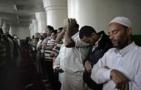 Ethiopia suspends Muslim prayers in mosques