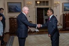 Ambassador Muktar Kedir presents his letter of credence