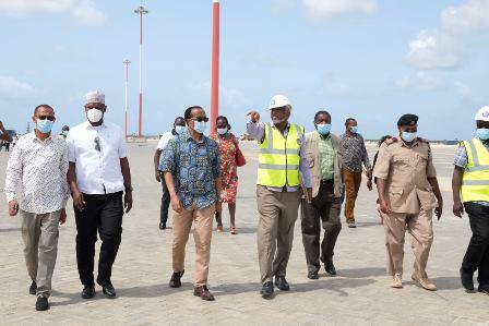 Kenya invites Ethiopian investors to use Lamu Port