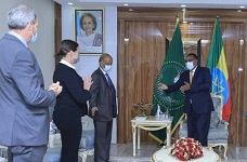 Ethiopia Foreign Minister meets with UN offcial